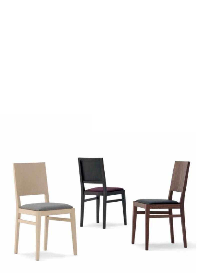 Bois moderne et classique chaises horeca astranova for Chaise rotin moderne